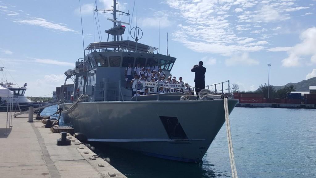 students-onboard-police-patrol-boat-te-kukupa