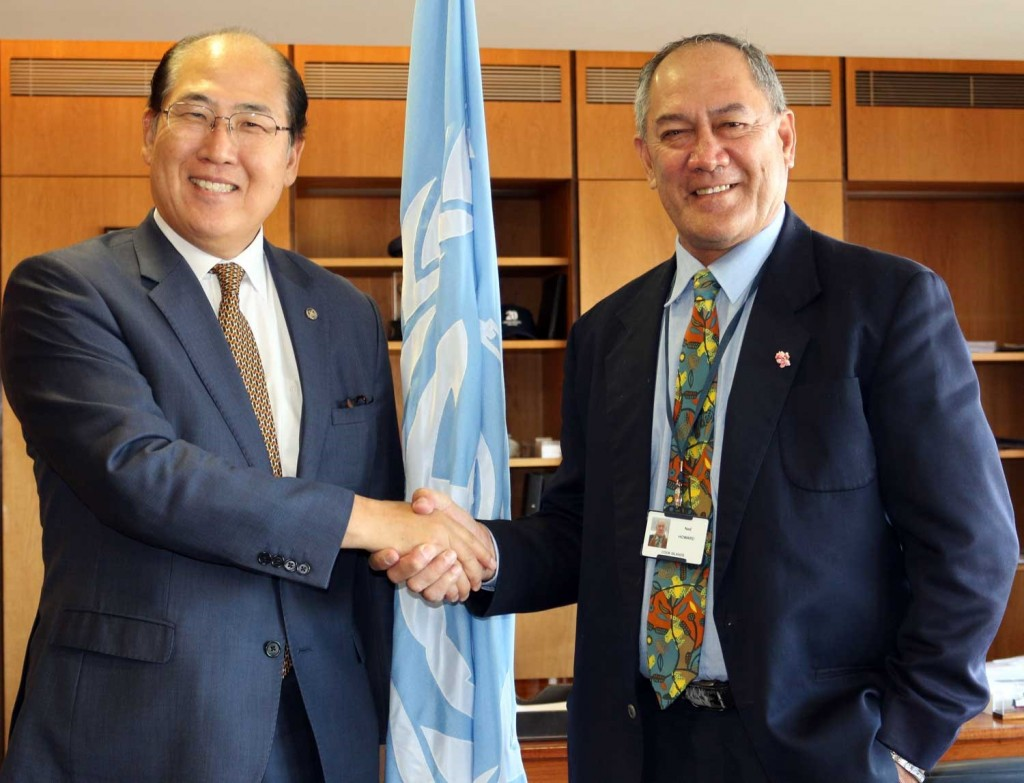 From left: His Excellency Mr. Kitack Lim (Secretary-General of IMO) and His Excellency Mr. Ned Howard (Secretary of Ministry of Transport)